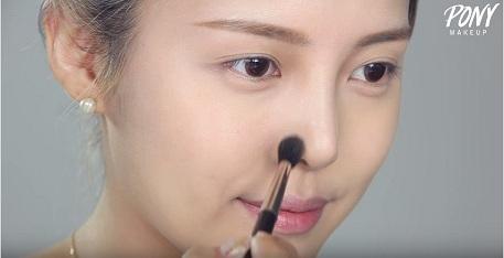 cách trang điểm khắc phục mũi tẹt-4
