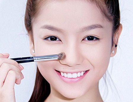 Cách làm mũi nhỏ lại nhờ trang điểm hiệu quả