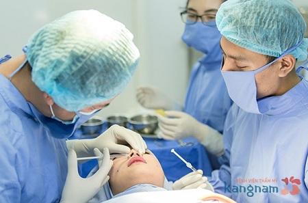 Cận cảnh một ca nâng mũi không phẫu thuật tại Kangnam
