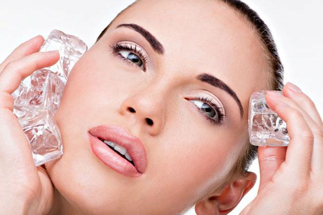 Chăm sóc sau nâng mũi hiệu quả nhờ cách chườm đá