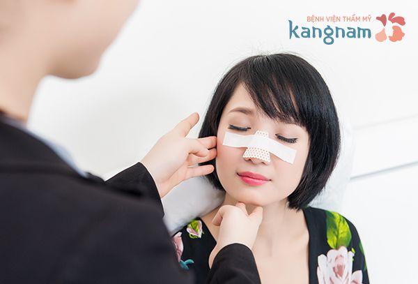 Chuyên gia tư vấn cắt cánh mũi có bị sưng hay không?